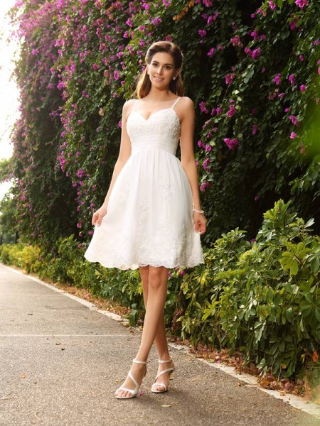 A-Line/Princess Spaghetti Straps Applique Short Lace Wedding Dress