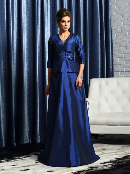 A-Line/Princess V-neck Beading 1/2 Sleeves Long Taffeta Mother of the Bride Dress